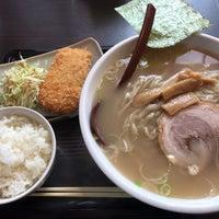 Photo taken at 手打ちらーめん まるとく by ゆー on 2/24/2018