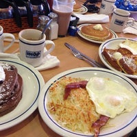 Photo taken at IHOP by Jose Carlos H. on 11/9/2013