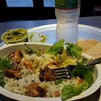 Foto tirada no(a) Chipotle Mexican Grill por Rose J. em 6/18/2013