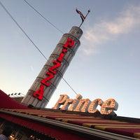 Foto diambil di Prince Pizzeria oleh Steve G. pada 10/20/2012