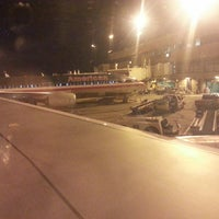 Photo taken at Gate B4 by ✈--isaak--✈ on 6/2/2014