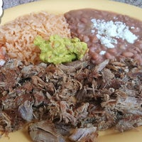 Das Foto wurde bei Pacos Tacos von ✈--isaak--✈ am 5/8/2017 aufgenommen