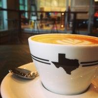 Photo prise au Houndstooth Coffee par Devin P. le5/9/2013