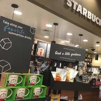 Photo taken at Starbucks by Erick B. on 8/13/2016