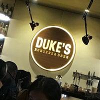 Photo prise au Duke's Burgers & Beer par Markcore G. le5/6/2018