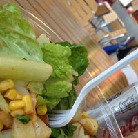 Photo taken at Daylight Salad by Markcore G. on 1/14/2014
