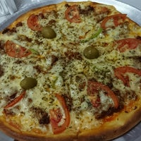 Photo taken at ESBULHIP Pizzas by Nuria S. on 8/29/2016