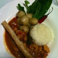 Photo taken at Café Caliente by Fernando V. on 11/4/2012