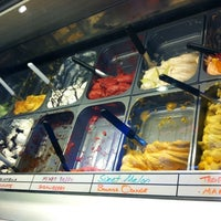 Foto tomada en Mod's Coffee & Crepes por Julie YouGyoung P. el 11/1/2012