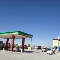 Photo taken at Gas de San Rafael, NL by Hector D R. on 2/27/2013