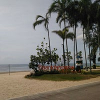 Photo taken at BaanKlangAow Beach Resort by Chaiyos R. on 5/8/2015