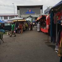 Photo taken at Pasar Malam Bandar Al-Mutafibillah,Terengganu by Atien A. on 8/28/2017