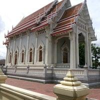 Photo taken at Wat Chonprathan Rangsarit by Tum i. on 7/8/2013