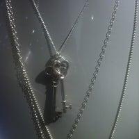 Photo taken at Tiffany & Co. by @kdeamat ™. on 9/16/2012