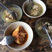 Photo taken at Restoran Tupah (Tepi Sg. Tupah) by Marfuzah D. on 5/18/2016