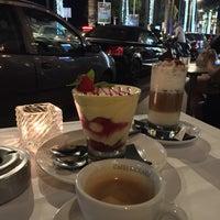 Photo taken at Le Café by 🇸🇦Abdulrahman b. on 9/9/2016