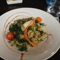 Photo prise au Restaurant Le 17 par Andrea N. le11/13/2012
