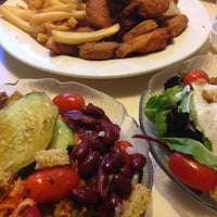 Photo taken at Boulevard Diner by Ashwaq🇺🇸 on 8/18/2014