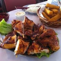 Photo taken at Magic Chicken by Fernando W. on 11/6/2012