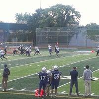 Das Foto wurde bei Franklin K. Lane High School von Stefano M. am 9/30/2012 aufgenommen