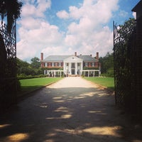 Photo taken at Boone Hall Plantation by Jessi on 7/22/2013