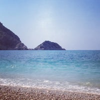 Photo taken at Παραλία Πετανοί by Andriana R. on 8/24/2013