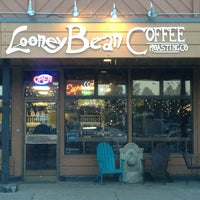 Photo taken at Looney Bean by Jeffy G. on 2/12/2013