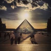 Снимок сделан в Лувр пользователем Antoine 6/16/2013