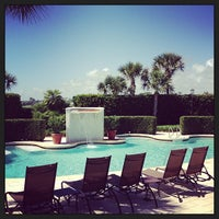 Foto tomada en The Spa at Ponte Vedra Inn & Club  por Kyle W. el 7/7/2013