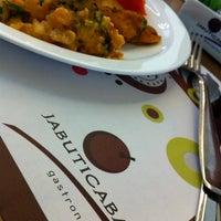 Снимок сделан в Jabuticaba Gastronomia пользователем Yula M. 5/7/2013