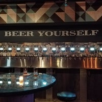 Foto tomada en Randolph Beer DUMBO por Carrie M. el 10/29/2017