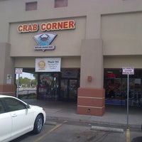 Foto tirada no(a) Crab Corner por Zachary M. em 5/16/2013