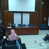 Photo taken at Lecturer Theater 4 (LT4) UiTM Perlis by Ardilahusna on 8/6/2014