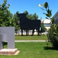 Das Foto wurde bei Escola Tècnica Superior d'Arquitectura von Vicente S. am 5/4/2013 aufgenommen