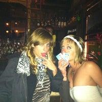 12/23/2012 tarihinde Liz V.ziyaretçi tarafından The Corner'de çekilen fotoğraf