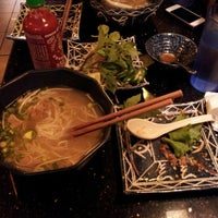 Снимок сделан в Green Leaf Vietnamese Restaurant пользователем Joel M. 6/13/2013