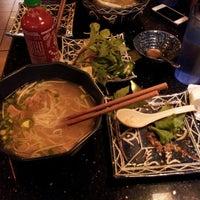 Foto scattata a Green Leaf Vietnamese Restaurant da Joel M. il 6/13/2013