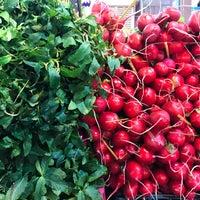 Photo taken at Mahmudabad Fruit Market | بازار روز محمود آباد by Kamyar 7. on 11/25/2017