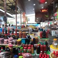 Photo taken at Mahmudabad Fruit Market | بازار روز محمود آباد by Kamyar 7. on 11/26/2017
