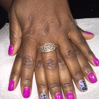 Foto tirada no(a) POLISHED NAIL SALON por Shannon S. em 2/16/2016