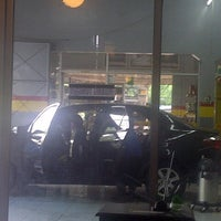 Photo taken at Prima Mandiri Service - Car Wash by Love Re on 5/28/2013
