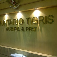 Photo taken at Kantor Notaris & PPAT Buntario Tigris by Love Re on 11/26/2013