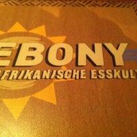 Das Foto wurde bei Ebony von Cesa L. am 11/3/2012 aufgenommen