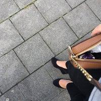 Photo taken at Halte Oostende Mansveldstraat by Kyana👋🏽 on 9/23/2017