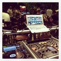 Foto tirada no(a) Cenarium Lounge Bar por Thito F. em 12/7/2013