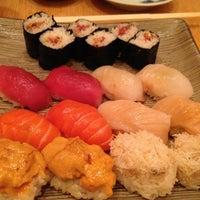 4/25/2013 tarihinde Elyseziyaretçi tarafından Sushi Yasuda'de çekilen fotoğraf