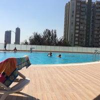 Photo taken at Soyak 6.bolge Havuz Kenari by Burak A. on 8/23/2014