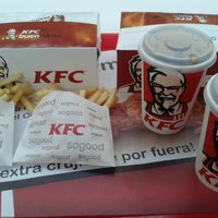 Photo taken at KFC ventura mall Santa Cruz by Franklin R. on 7/27/2014