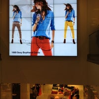 Photo taken at Gap by Luiz B. on 11/12/2012