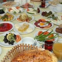 Foto tirada no(a) Çakırlar Köy Kahvaltısı por Cengizhan D. em 12/29/2012